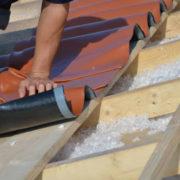 Au-delà du matériau constituant le toit, l'isolation et l'étanchéité sont essentiels