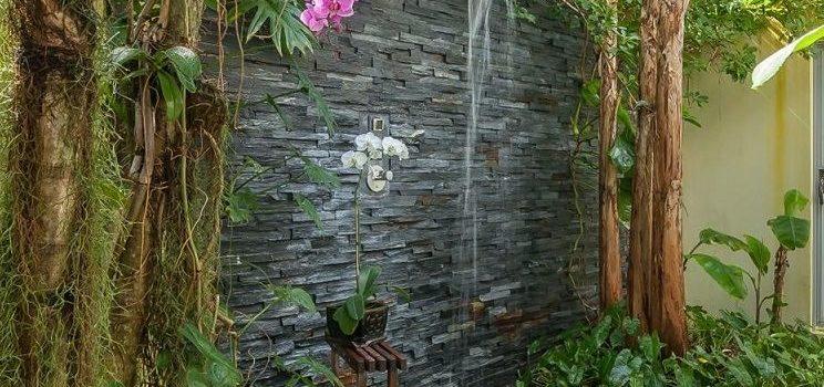Procéder à l'installation d'une douche dans son jardin